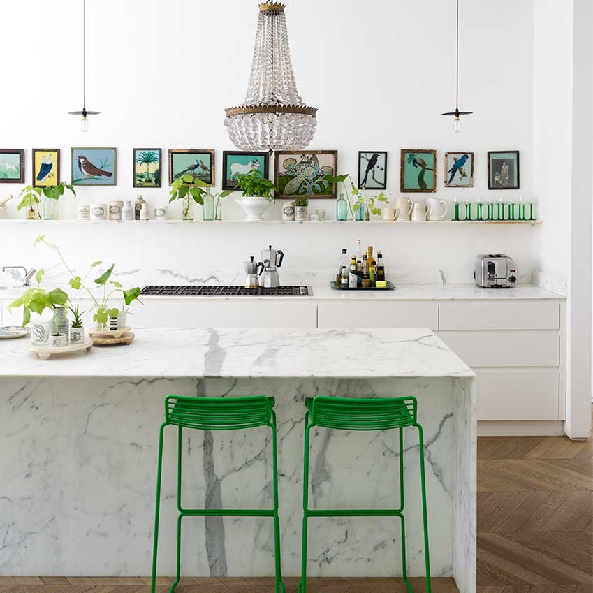 Sometimes it's just a pop of green that's required to give both you and a room a lift. This image is from one of my favourite ever homes we've published, first seen in the June 2016 edition. See the back issues link at the bottom of the post if you want to pick up a copy.