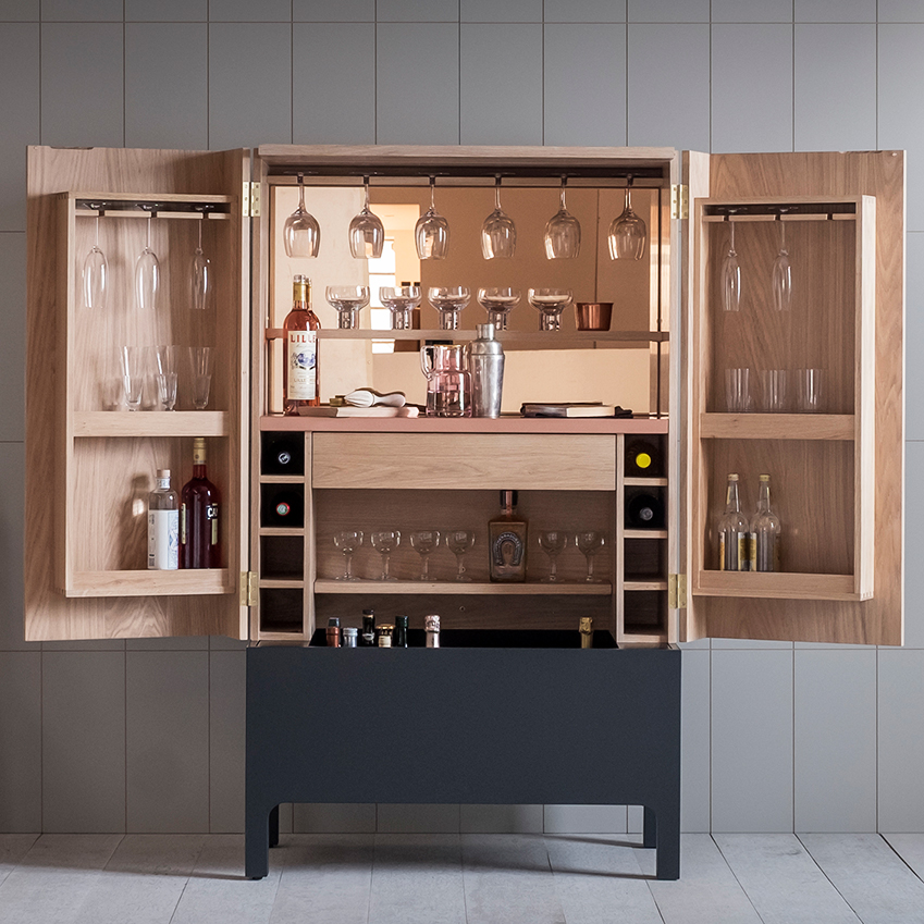 Solutions home bars elle decoration uk for Built in drinks cabinet