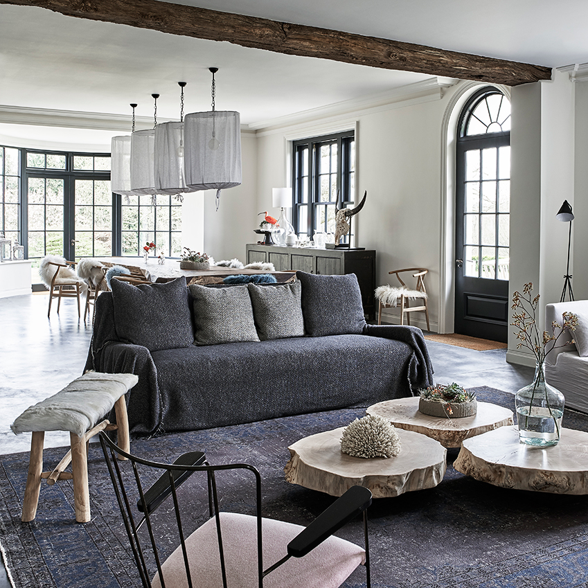 This Georgian Manor house in Surrey is a study in the best use of a pared-back palette and natural materials. First featured in ELLE Decoration Country Volume 10. See link at end of post. Photographer: Sandra Van Aalst; styling Guylaine Durufle; production, Jane Morris.