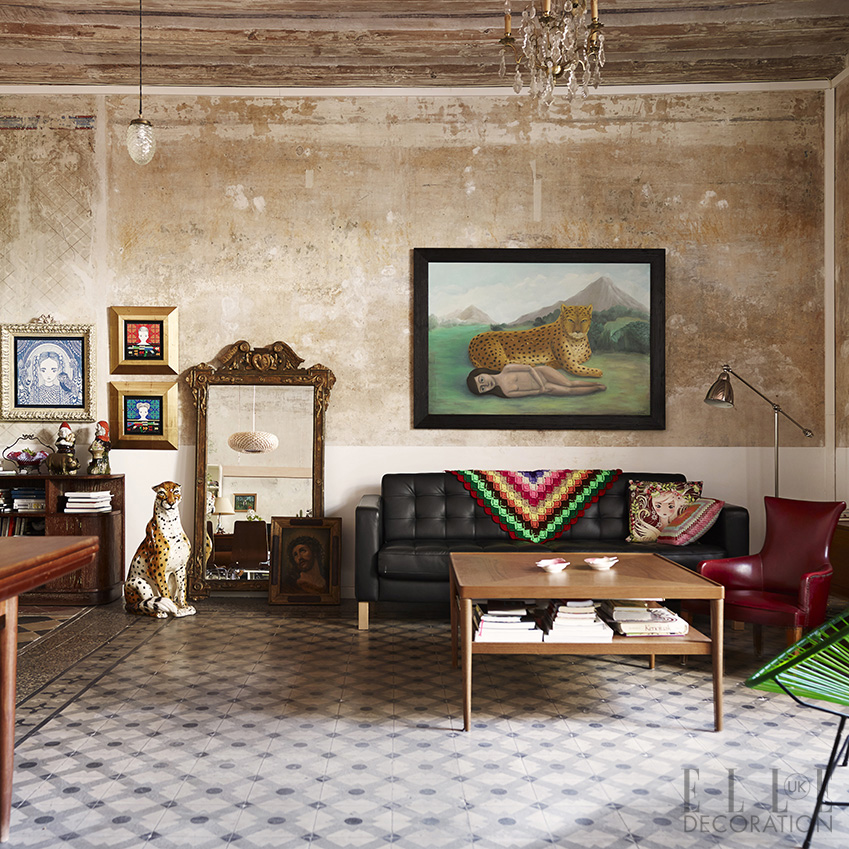A classic villa in Barcelona's characterful old city displays one creative couple's treasured heirlooms and vibrant artworks against a backdrop imbued with faded grandeur<span> Photography:Fabrizio Cicconi/Living Inside  Styling: Francesca Davoli</span>