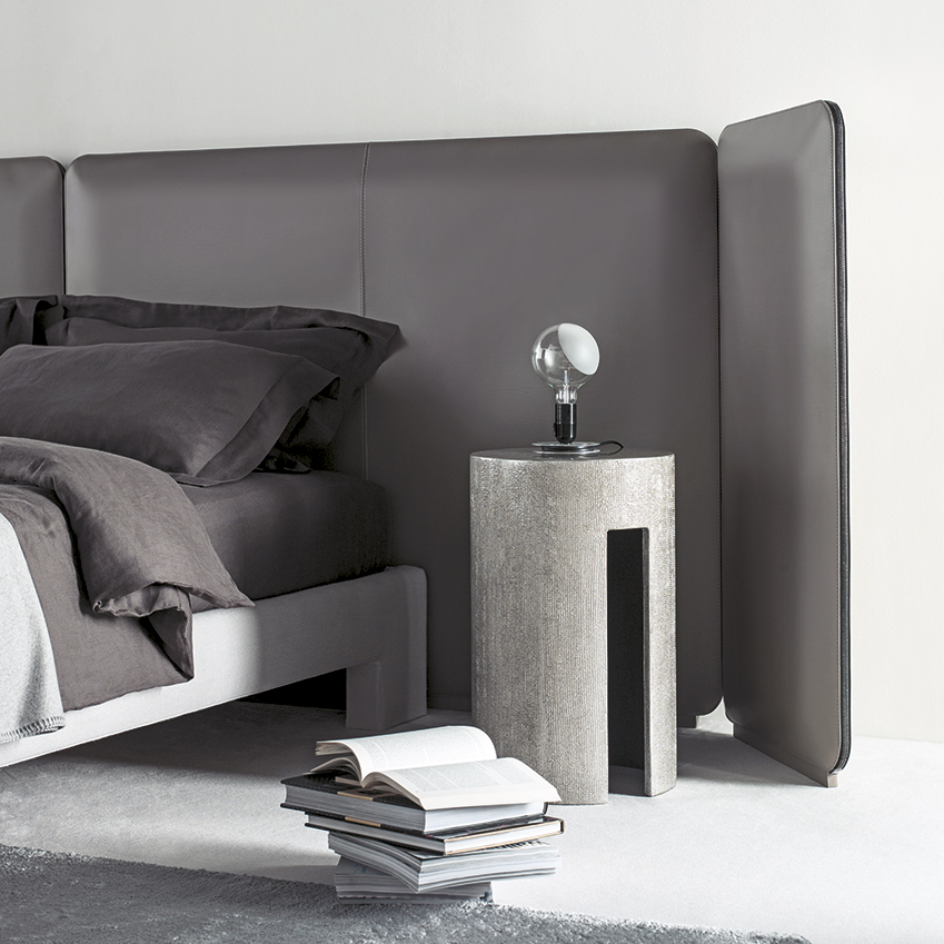 'Tuyo' bed with headboard by Andrea Parisio for Meridiani, Staffan Tollgard
