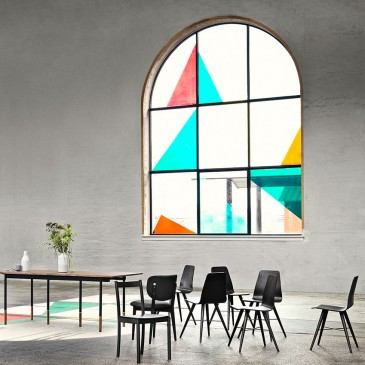 Stained glass window by Bolia