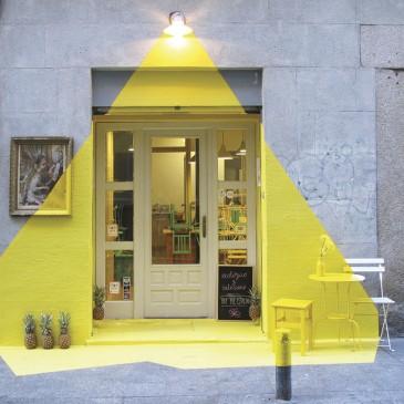 Rayen restaurant facade by Fos studio