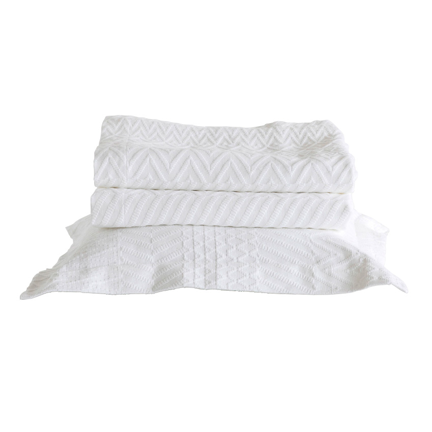 The best of the high street this autumn elle decoration uk for Elle decoration bed linen