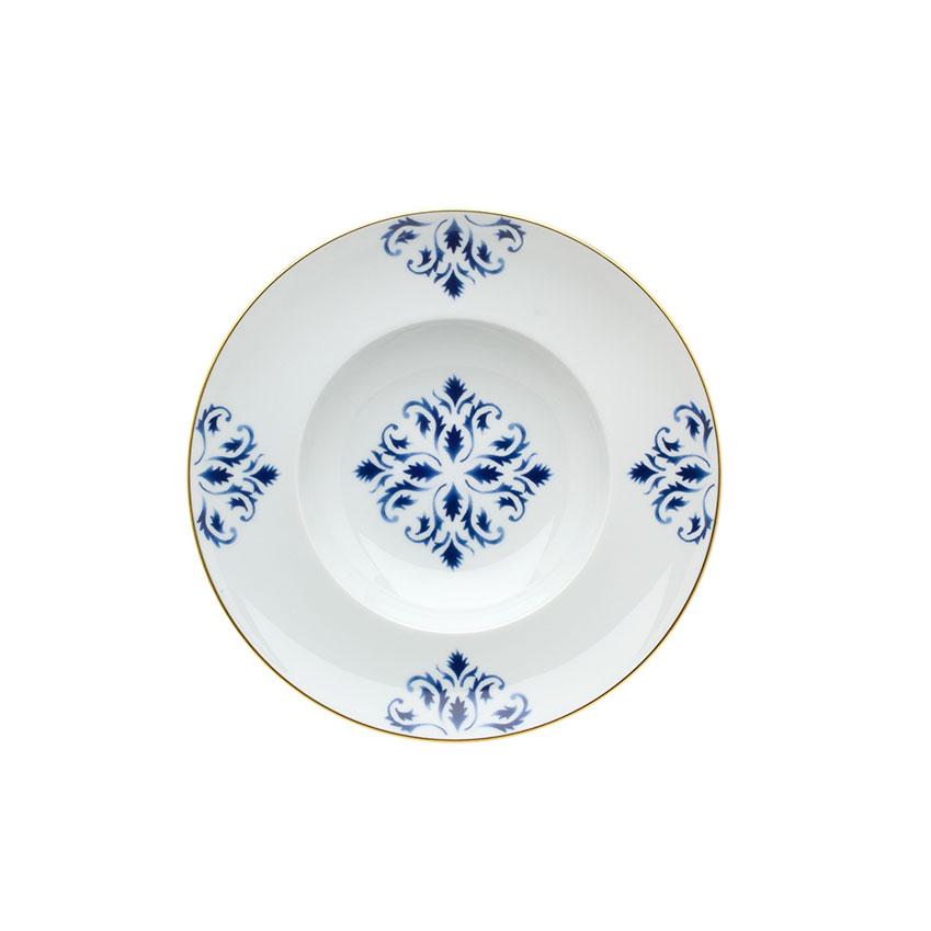 Dinner plate, £35