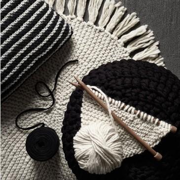 studio33-knitting-image