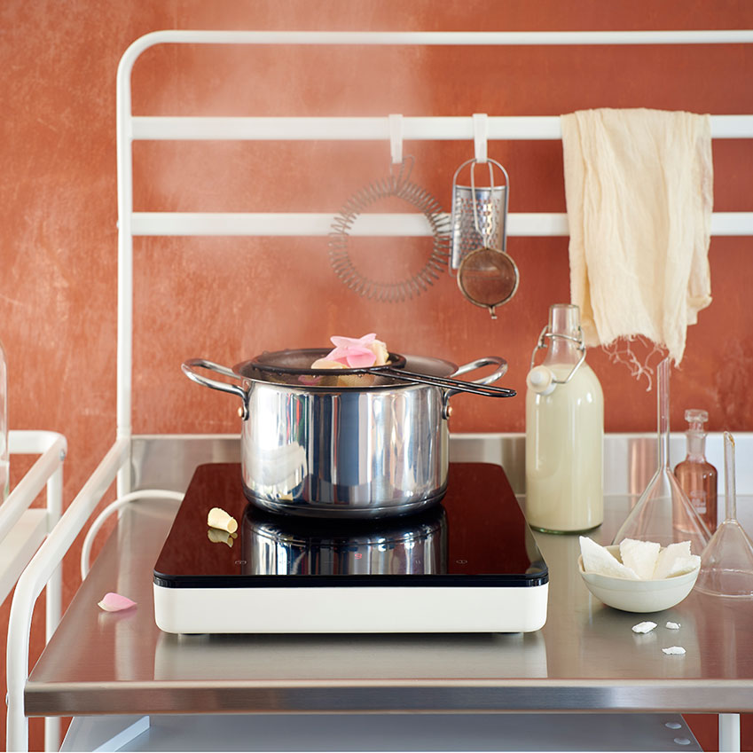 Country Style Kitchen Sink 'Sunnersta' portable kitchen by Ikea | ELLE Decoration UK